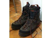 salomon super mountaineering 9 boots - size uk 7.5