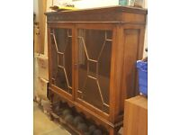 Antique/Vintage Oak Bookcase w/Astrigal Doors