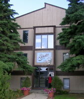 LAWSON, Popular location, 1 bdrm. apartment,  June 1   $850