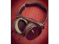 Sony mdr-xb950 headphones