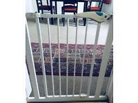 Baby child dog gate lindam
