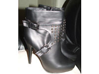 Black Ankle Boots Coco size 6