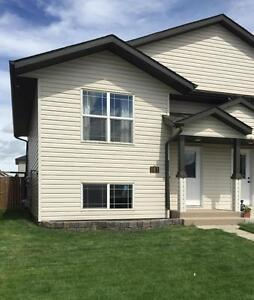 HARD TO FIND!! 3 bedroom Duplex in Kentwood only $1175 / month