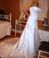 Brand New, Never Worn Wedding Dress