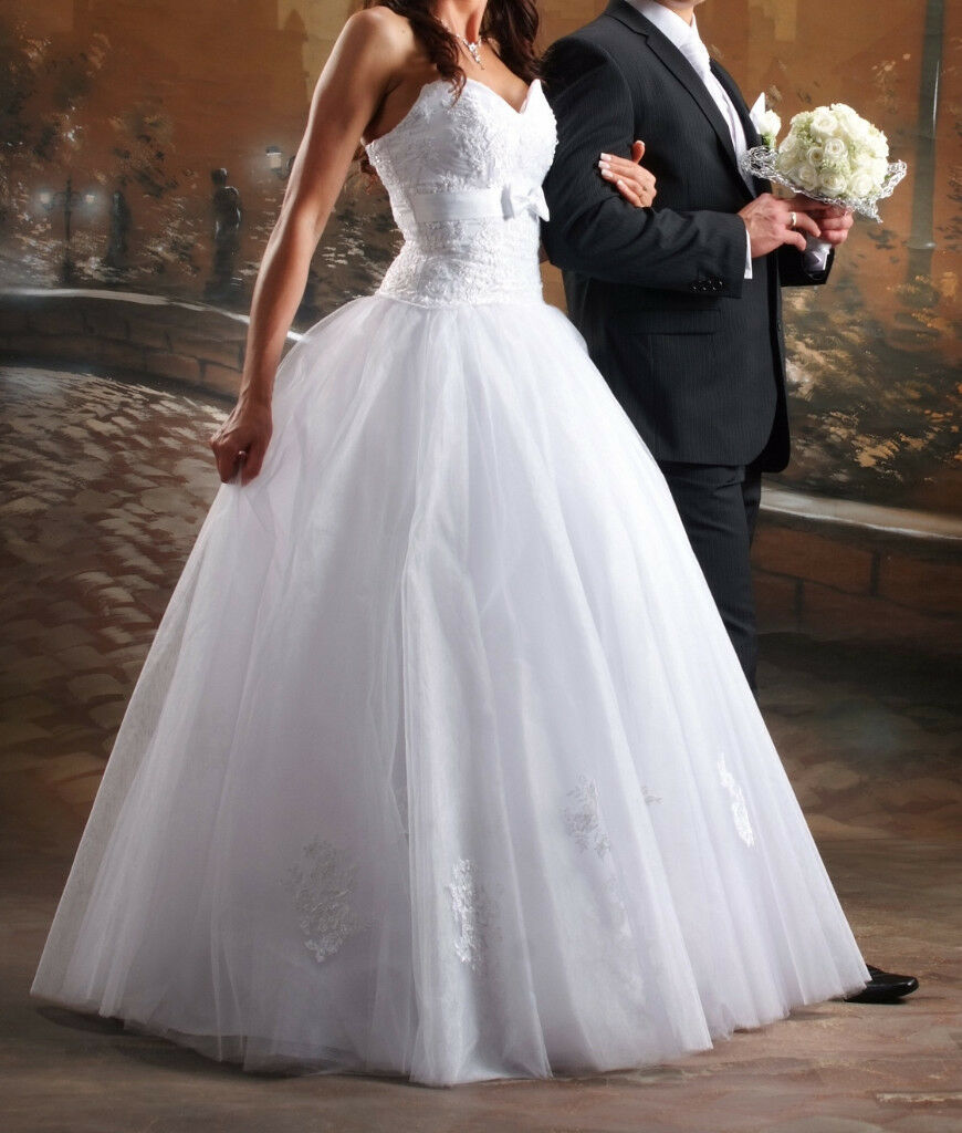Gorgeous white wedding dress size 10/12 | in Darlington, County ...