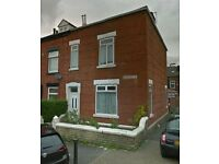 Large 3 bedroom, 2 reception room, house to RENT in Oldham Glodwick with furniture, Private Landlord
