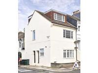 2 bedroom flat in Westbourne Street, Hove