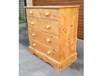 Solid pine 5 chest of drawers