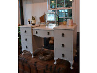Classic off white dressing table
