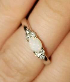 Real 9ct White Gold Genuine White Opal & Diamond Ring Size K.5-L 375 London Hallmarked