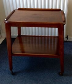 MID CENTURY/RETOR/60S 2 TEAR TEAK HOSTESS TROLLY/TABLE WITH CASTERS