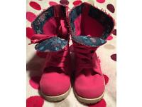 Girls size 3 canvas lace up boots with contrasting inner