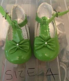 Green patent bow shoes