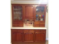Beautiful Traditional Very Large Full Oak Kitchen. Prepared to Sell Separate. Excellent Condition