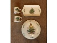 """10"""" Cake Stand/ Mince Pie Tray and Two Mugs - Christmas Spode All in excellent condition"""