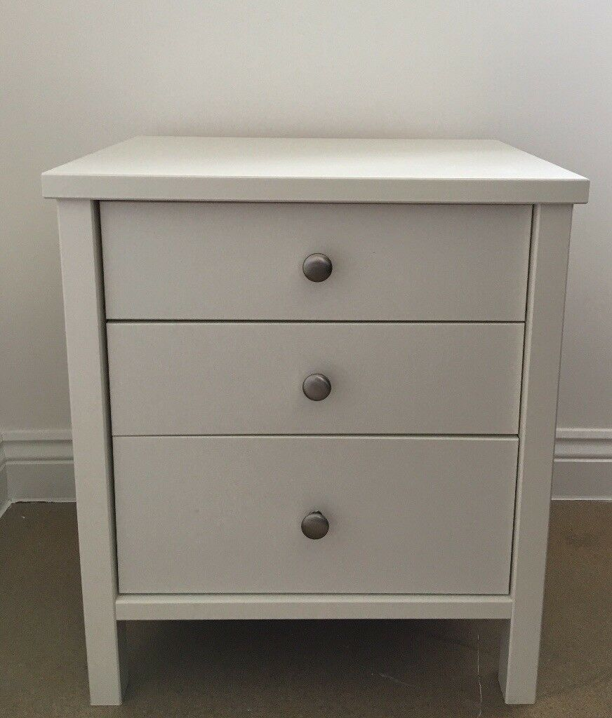 2 White Bedside Draws