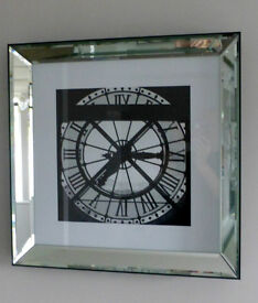 Modern print in attractive mirrored frame