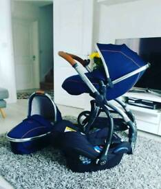 Egg pram travel system