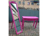 Laurence Llewelyn Bowen pink dressing table and full length free standing mirror.