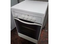 Indesit electric white freestanding cooker, model KG 3044