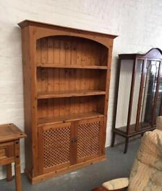 ** SOLID WOOD DRESSER IN GOOD CONDITION - CAN DELIVER **
