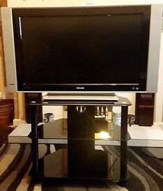 """PHILIPS 32"""" LCD TV AND GLASS STAND"""