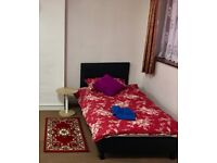 ROOM SHARE - SINGLE BED IN SHARED ROOM
