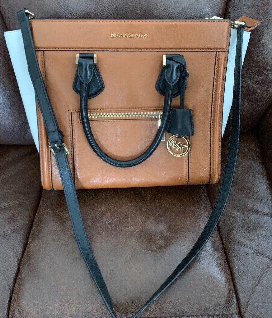 2542f8494c3e Gently used Michael Kors handbag | in Prestwich, Manchester | Gumtree