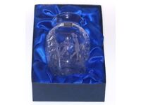 GORGEOUS ROYAL SCOT CRYSTAL HAND CUT ENGRAVED VASE OF GOLFER MADE ENG REAL WORK OF ART MINT COND J4U