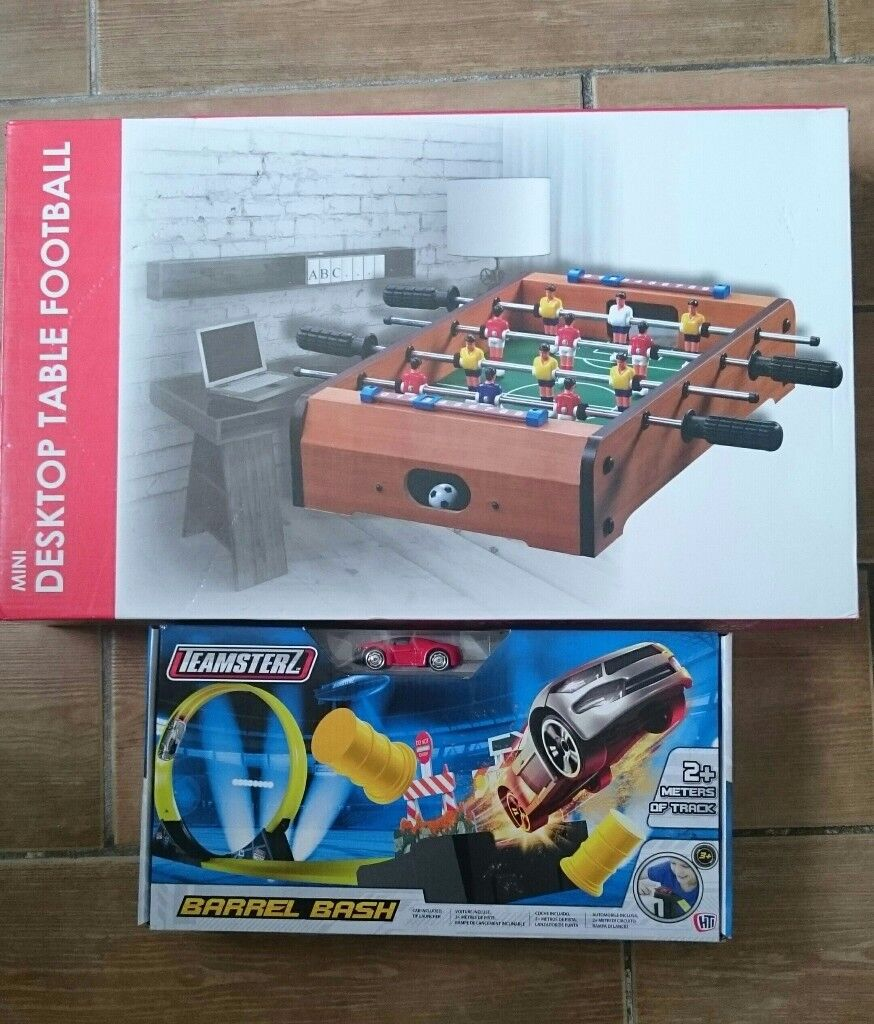 **NEW IN BOXES** TOY BUNDLE : DESK TOP TABLE FOOTBALL & CAR BARREL BASH BOTH NEW IN BOXES