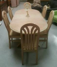Lovely solid extendable dinning table & 6 chairs can deliver 07808222995