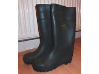 NEW. Beaver Safety Wellies/Boots, steel toecap, Size 6/39.
