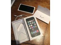 iPhone 5S - 64GB BOXED With Accessories