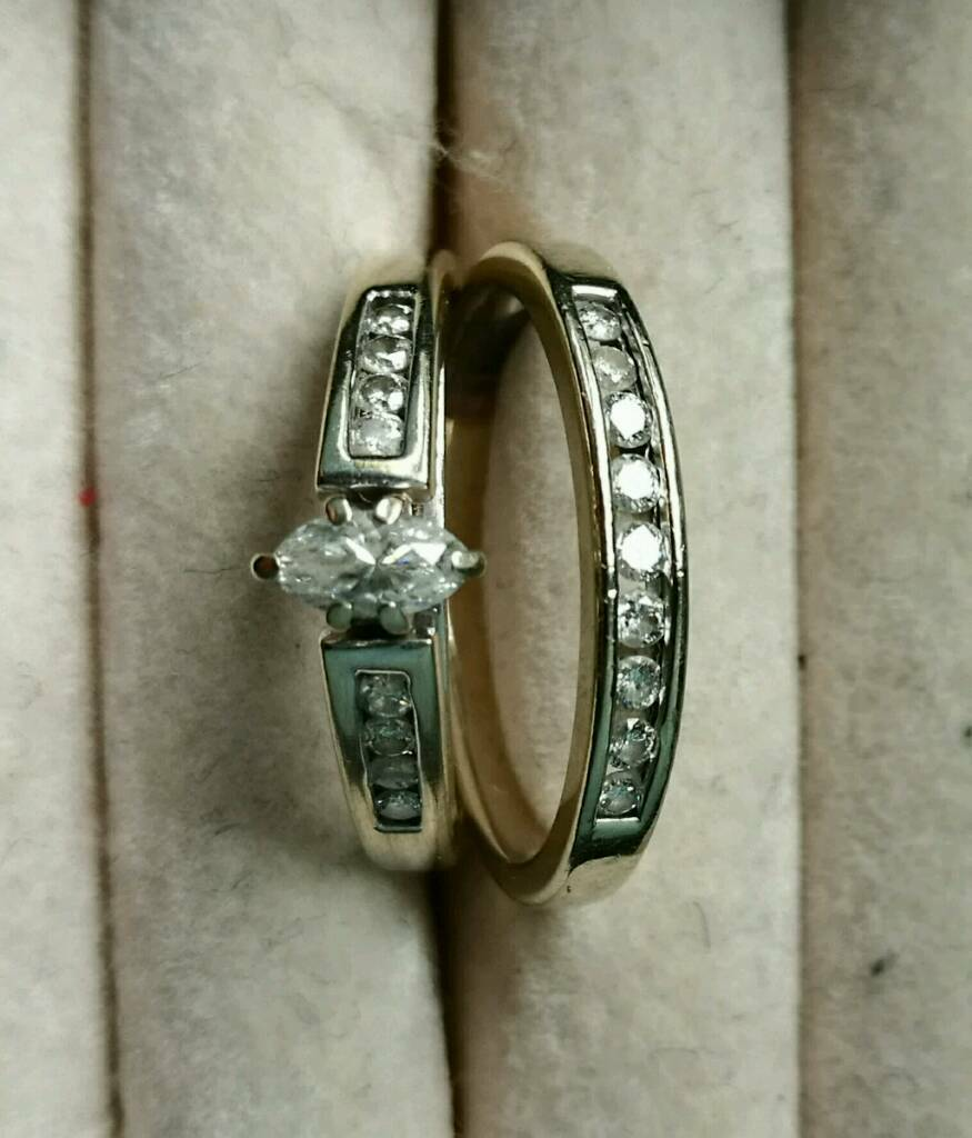 Engagement and wedding ring setin Chester, CheshireGumtree - Rings bought in Las Vegas 2006. Diamond and white gold. Not hallmarked as US dont mark gold. spent $1900 on them at time. No box. Size L but can be changed