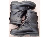 British army cold weather goretex boots size 11 L