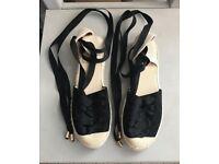 Women's Tie-Ankle flat shoes
