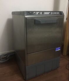 Commercial glasswasher