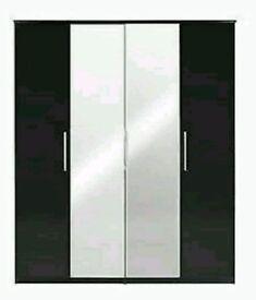 Prague Gloss 4-door Mirrored Wardrobe *BLACK*Depth: 53 CM, Height: 199 Cm, Width: 161 CM