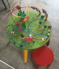 Table top toy & 2 stools