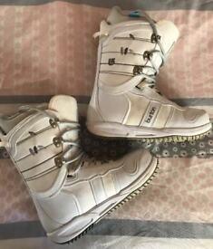 Ladies Burton Snowboard Boots Size 6 6.5