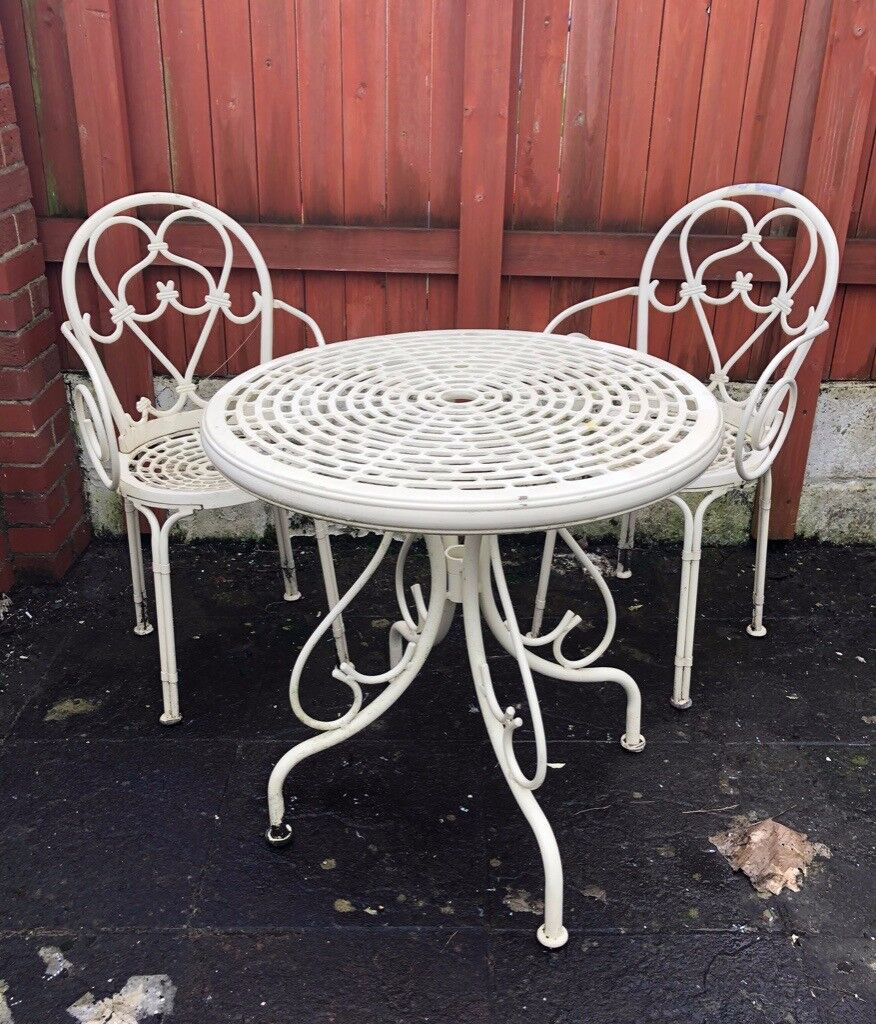 French style garden table and chairs