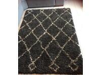 Large Grey Patterned Rug / Mat