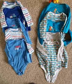 Boys clothes 6-9, 9-12mths mainly vests