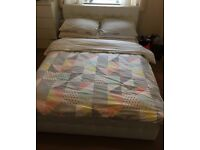 KING SIZE WHITE LEATHER BED FRAME (MATTRESS ALSO INCLUDED)