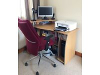 Lovely computer desk excellent condition