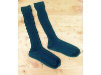 Men/Boys kilt socks - woollen , bottle green. Shoe size 7-10