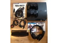 PS3 CONSOLE + 2 Controllers / Games