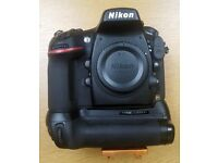 Nikon D800 + Genuine Nikon MBD12 Battery Grip