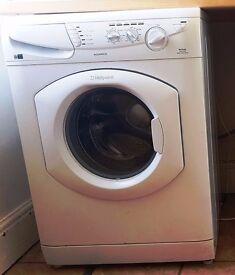 Hotpoint Aquarius - 7kg washing machine - white