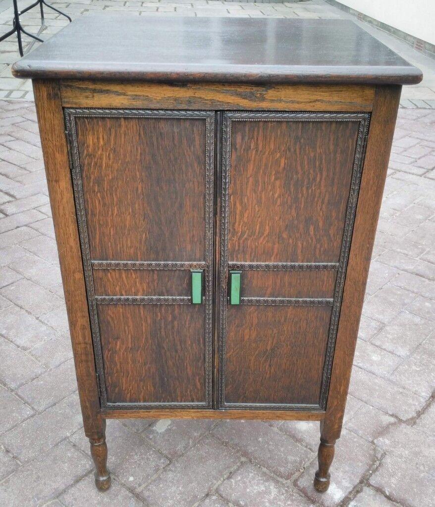 Vintage Small Oak Floorstanding Drinks Cabinet Or Useful Storage Cupboard